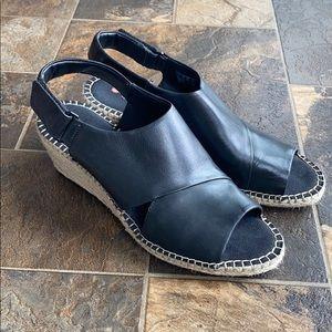 Clark's Unconstructed Wedge Open-toe Sandal